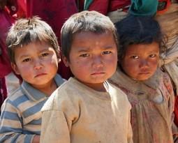"""Grande successo dell'iniziativa benefica Microsite presso l'orfanotrofio """"Bartolo Longo"""" di Pompei"""