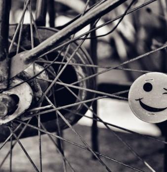Sorridi mentre sei al telefono?